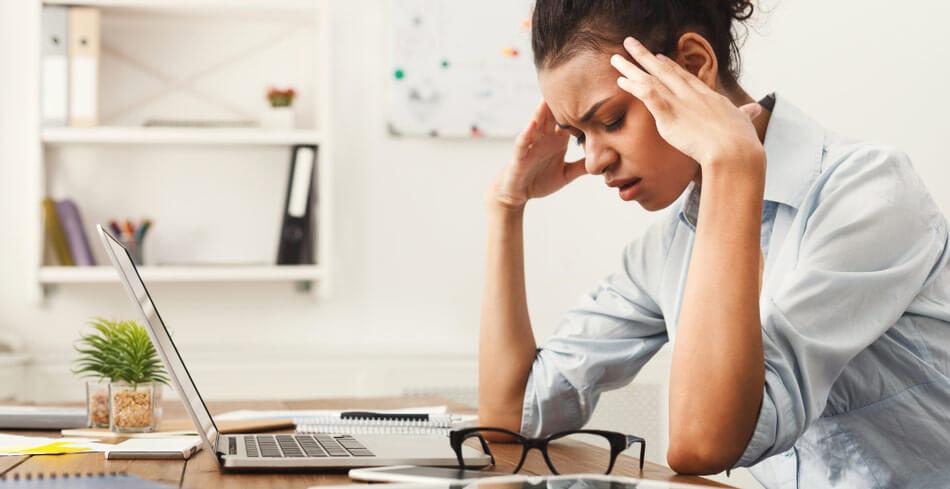 Huvudvärk kan vara ett tecken på att din kropp skriker efter mer D-vitamin eller magnesium.